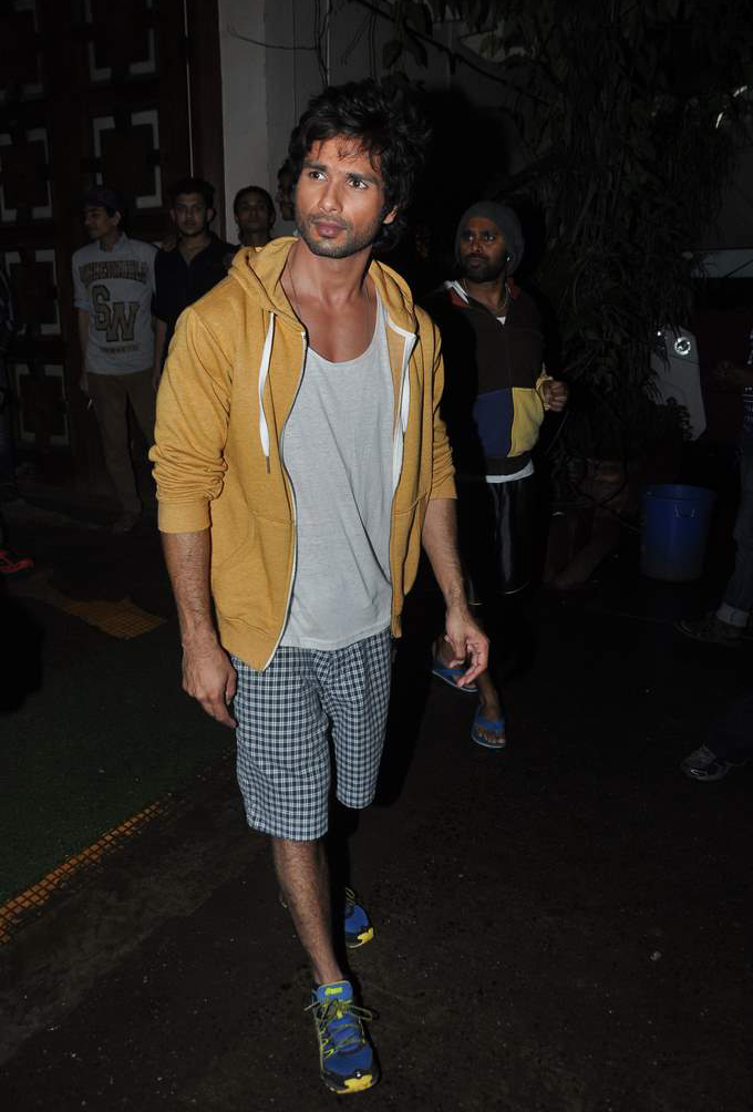 shahid-kapoor-shorts