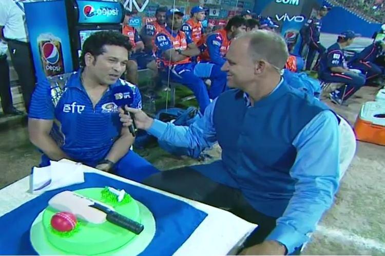 IPL 2017 MI v RPS: Here is how Sachin Tendulkar celebrated ...