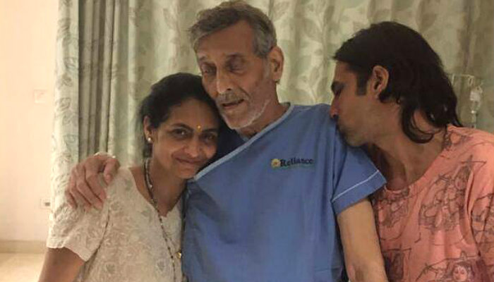 Indian actor Vinod Khanna suffering from cancer?
