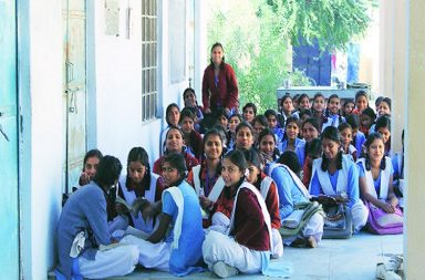 jharkhand-school-girls-express-photo-for-inuth