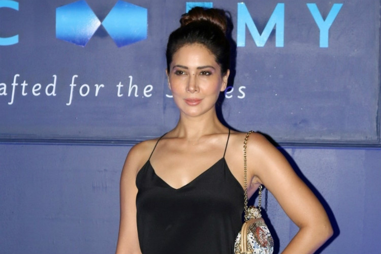 Kim Sharma Finally Reacts On Being Dumped And Left Penniless By Husband