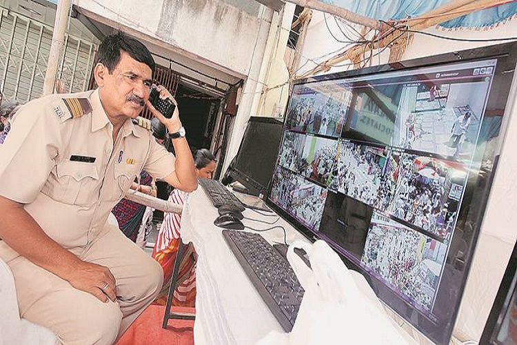 From unhappy girlfriends to drunk men, Kolkata Police gets more than 1000 prank calls aday!