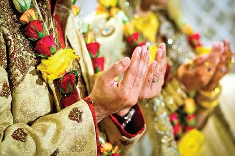 Special Wedding Gifts India : Muslim man gifts cow as a ?special wedding gift to daughter!