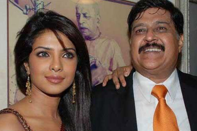 Priyanka Chopra with her father (Courtesy: Twitter/@KJoFC )