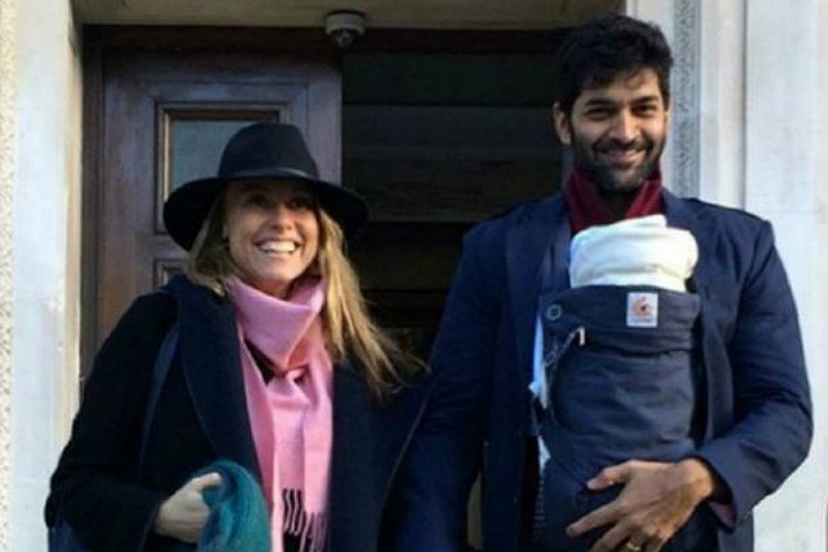 Purab Kohli with her daughter (Courtesy: Twitter/@bollywoodmantra)