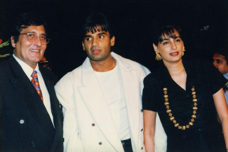 sunil-with-wife-vinod-khanna