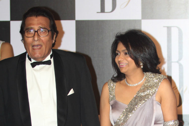 vinod-kahhna-with-wife-1