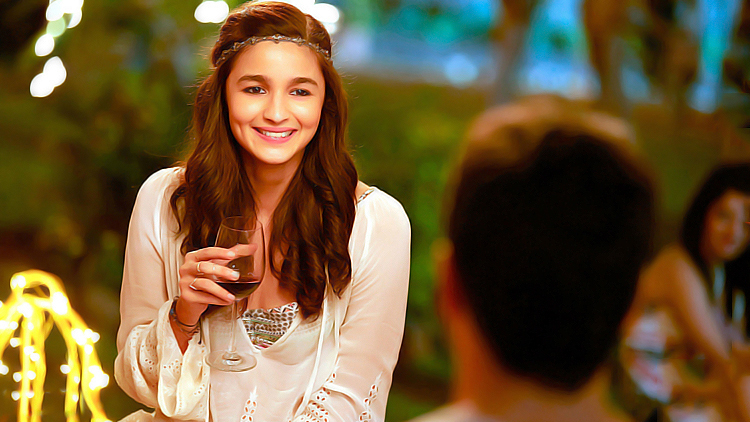Alia Bhatt flaunting her dimpled smile is the most beautiful wallpaper