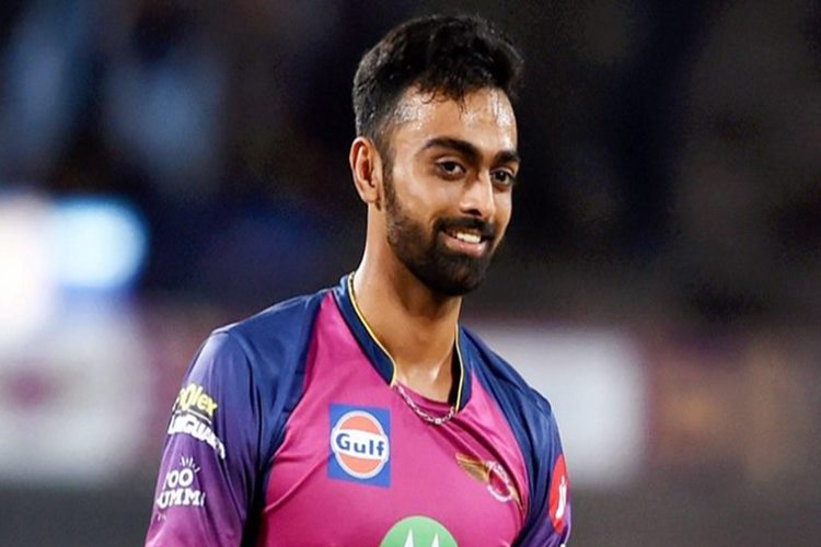 Mumbai edge dramatic IPL final to complete hat-trick