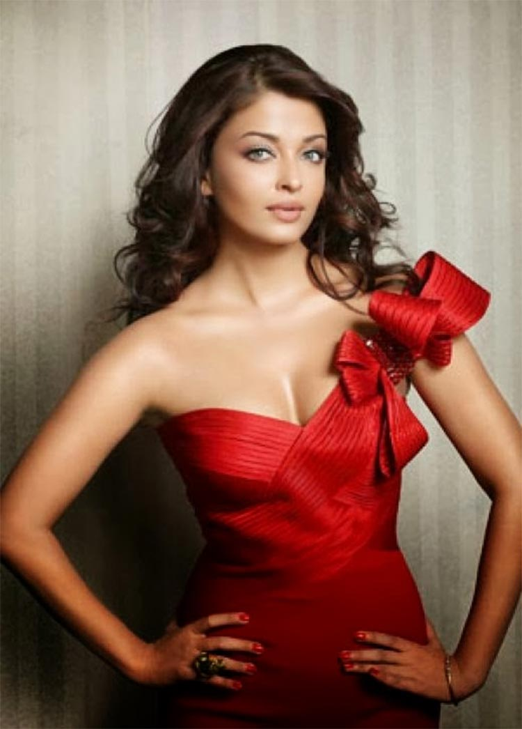 Aishwarya rai hot and sexy photos aishwarya hot wallpapers aishwarya rai looks fiery hot in this photograph thecheapjerseys Images