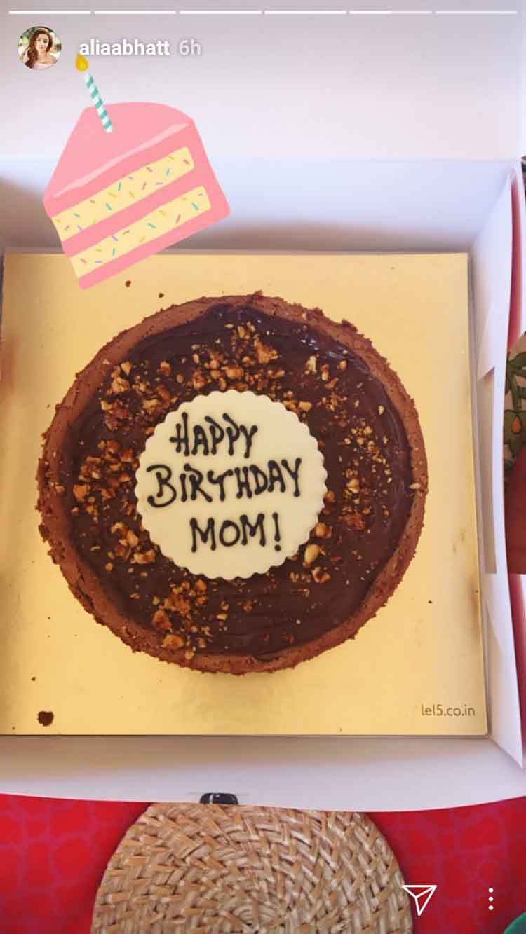 Alia Bhatt gets the yummiest cake for her mom's birthday