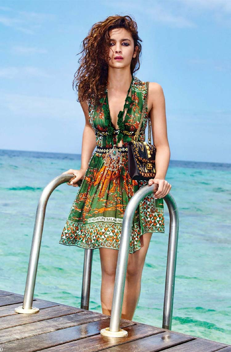 Alia Bhatt looks sexier than ever in this swimwear