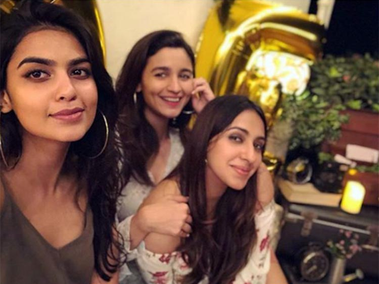 Alia Bhatt's cute photo with her best friends