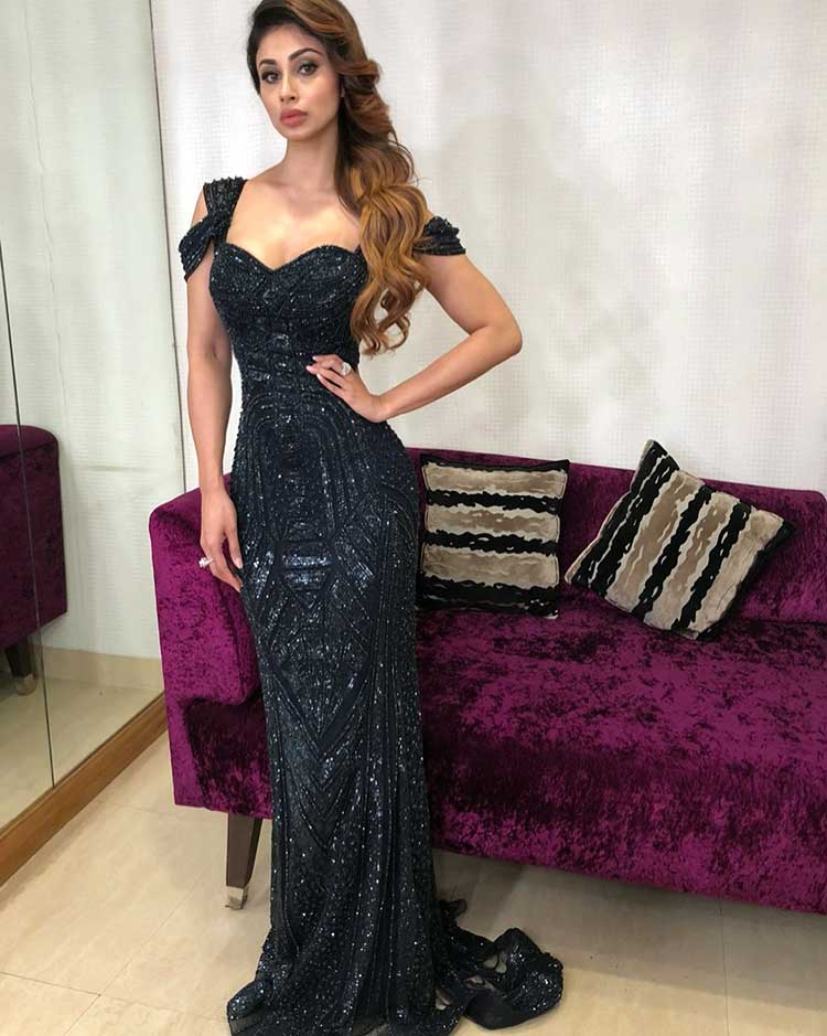 Hot Mouni Roy all set for Lux Golden Rose Awards 2017
