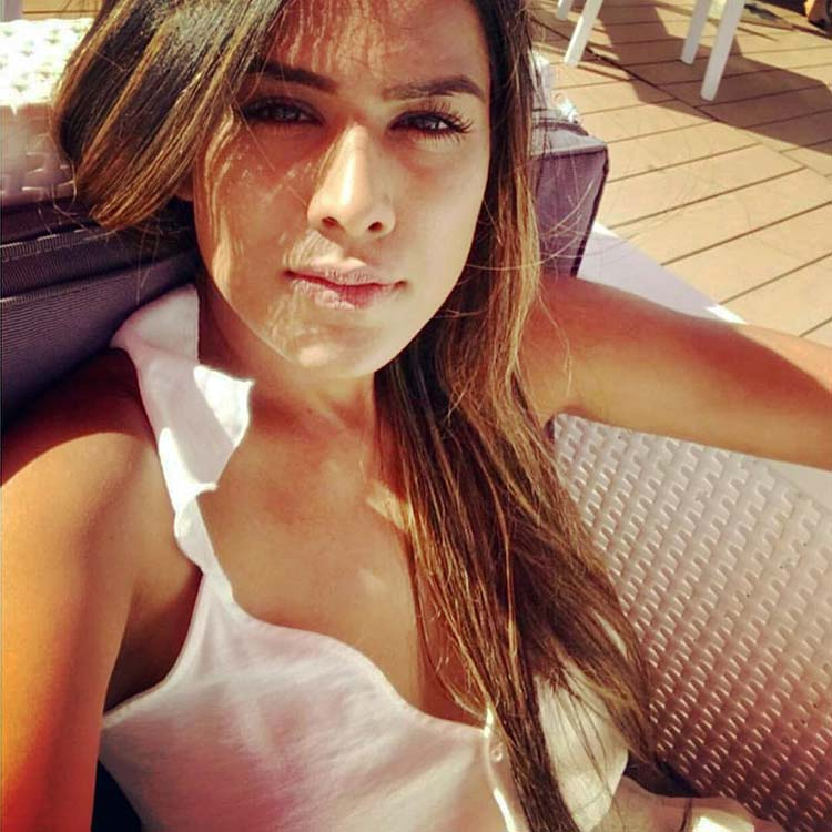 Hot Nia Sharma's sunkissed pic will brighten up your day
