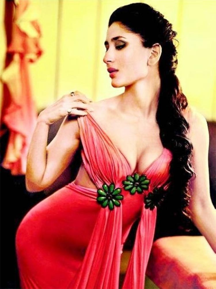 Kareena Kapoor looks uber sexy in this ravishing click