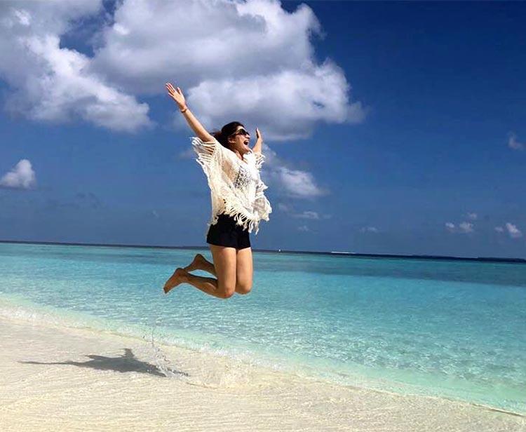 Sagarika Ghatge is spending her honeymoon in 'paradise'