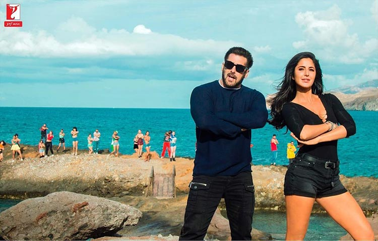 Salman Khan and Katrina Kaif are literally sizzling in this Swag Se Swagat look