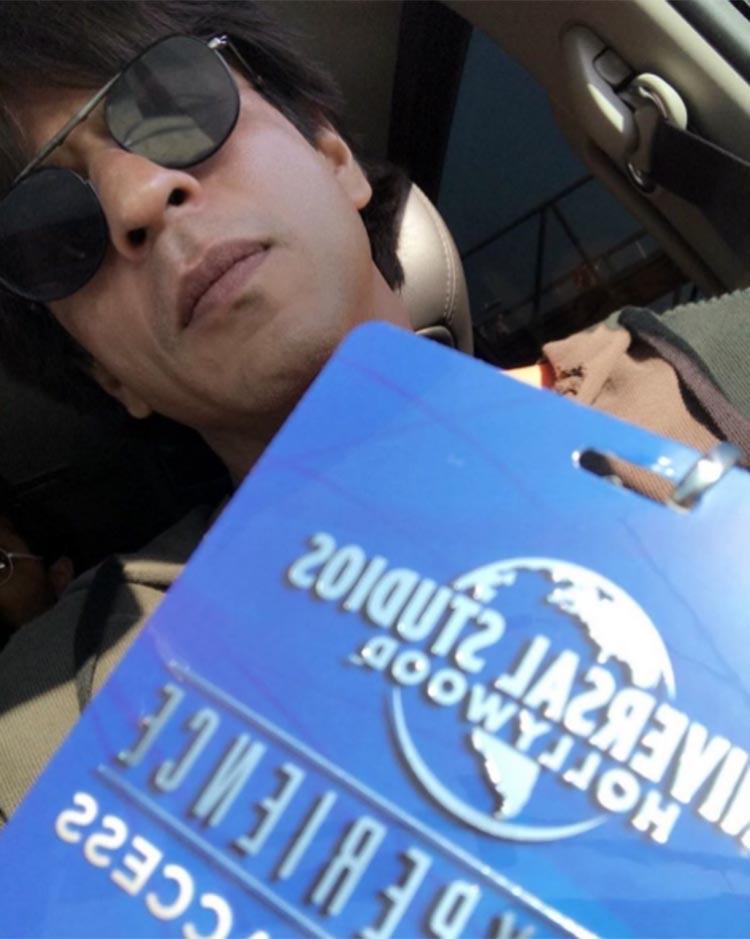 Shah Rukh Khan takes AbRam to Universal Studios