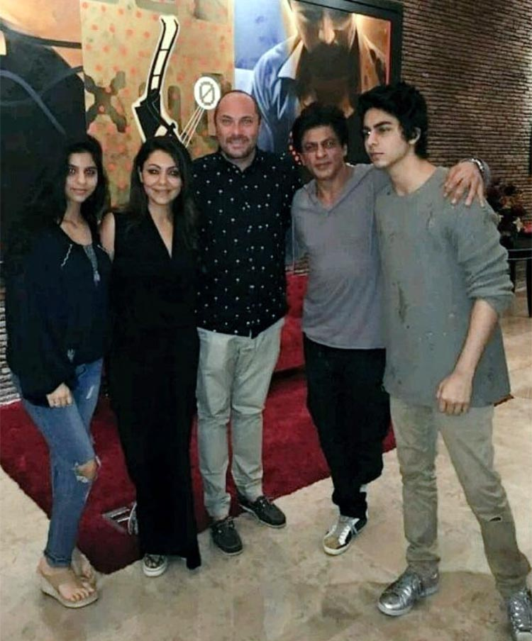 Shah Rukh Khan's personal photo with his family