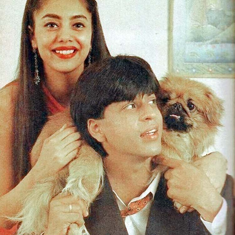 Shah Rukh Khan's this throwback pic with Gauri is super romantic