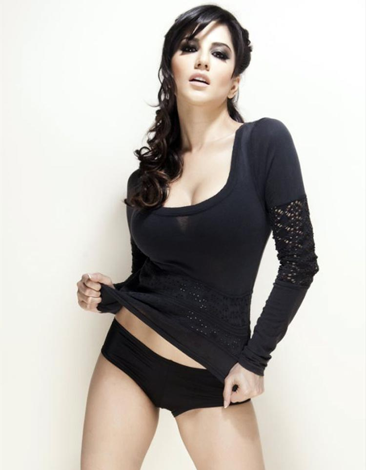 Sunny Leone looks raunching hot in this frame