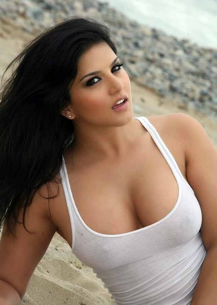 Sunny leone hot sexy nude photo