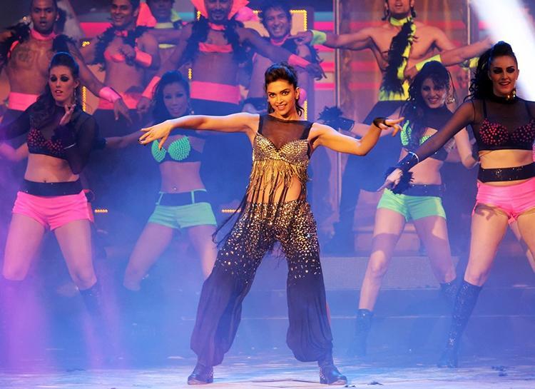Deepika Padukone performing at the International Indian Film Academy Awards