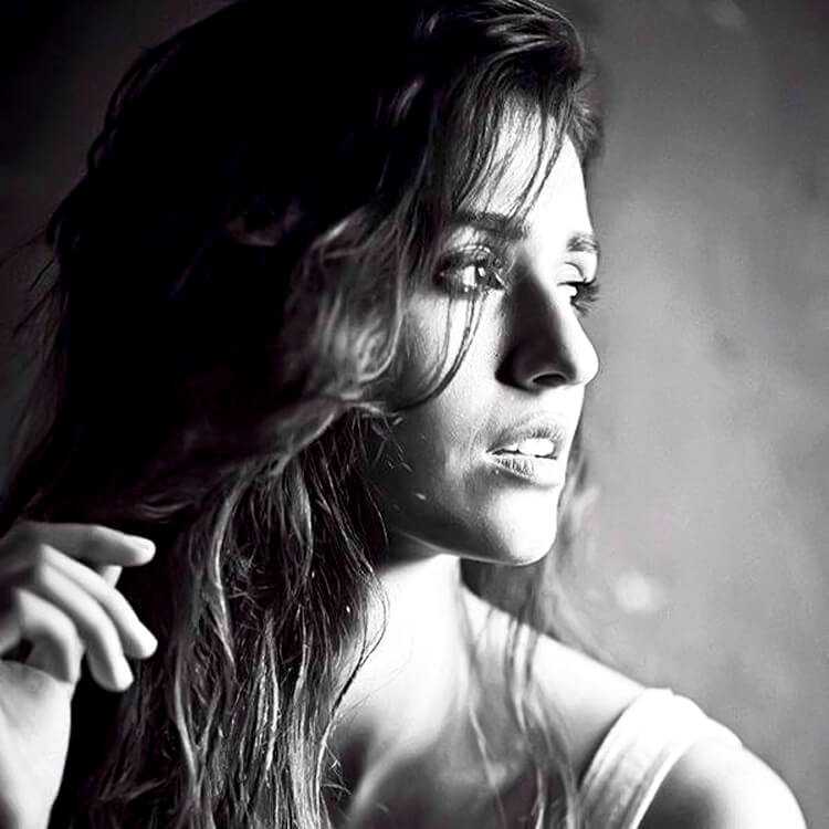 Disha Patani is looking super hot in this Facebook DP
