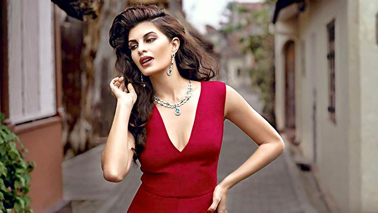 Jacqueline Fernandez is looking sizzling hot in red