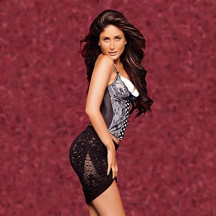 Kareena Kapoor playing sexy in lace