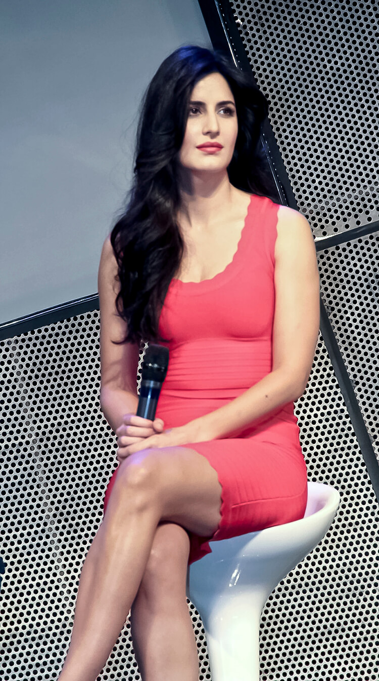 katrina kaif candid photos candid images poster and wallpapers of