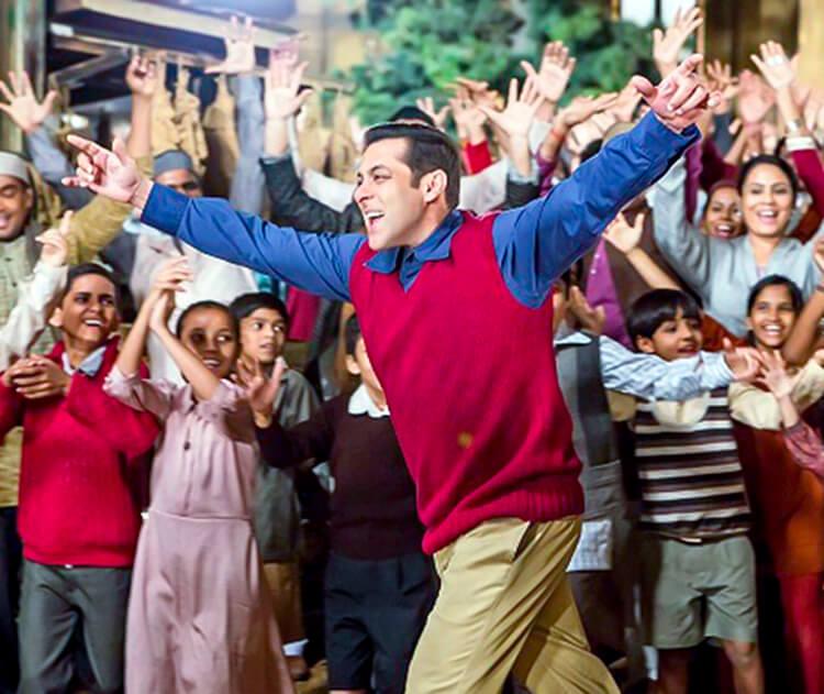 Salman Khan on the sets of Tubelight