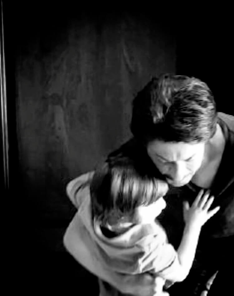 This candid pic of Shah Rukh Khan hugging his son is absolute love