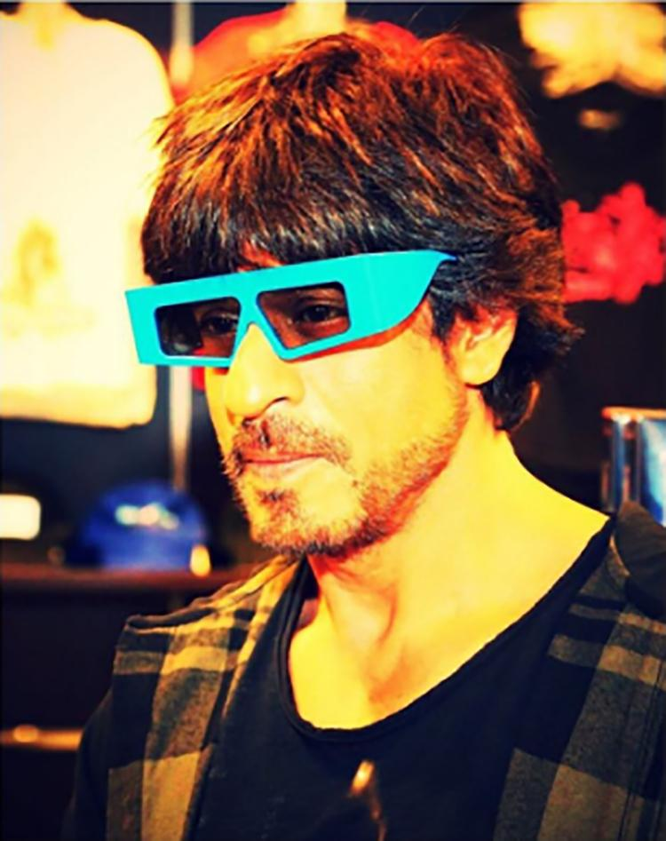 Shah Rukh Khan sports a 'battery' look for Instagram