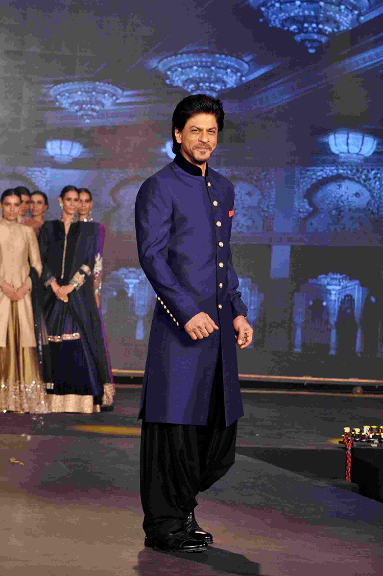 Shah Rukh Khan at Happy New Year trailer launch event