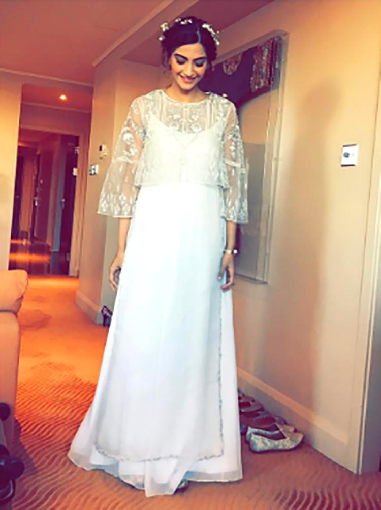 Sonam Kapoor shares her look for DIVAlicious exhibition on Instagram