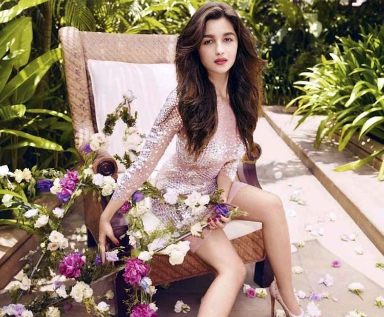 Alia Bhatt looks stunningly surreal in this sexy pic