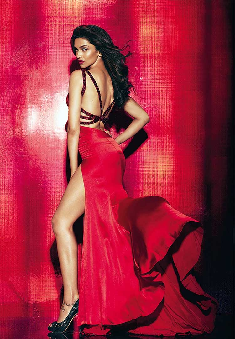 Deepika Padukone looks spicy hot in red