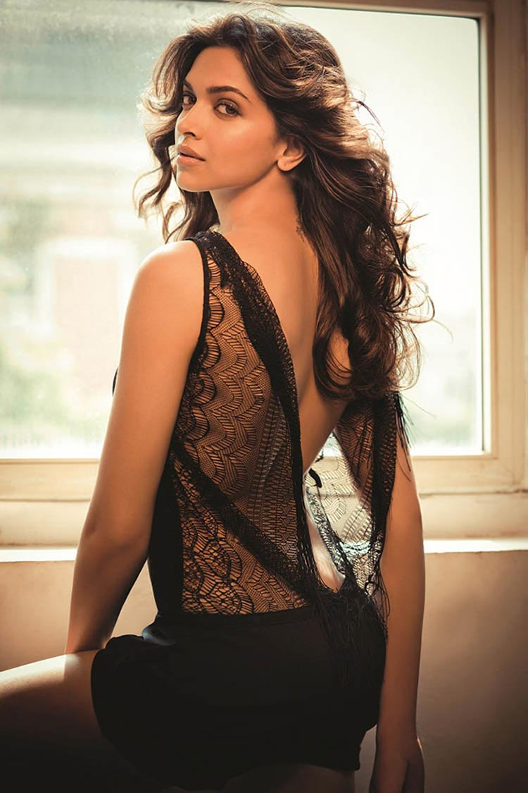 Deepika Padukone will melt you with her hotness