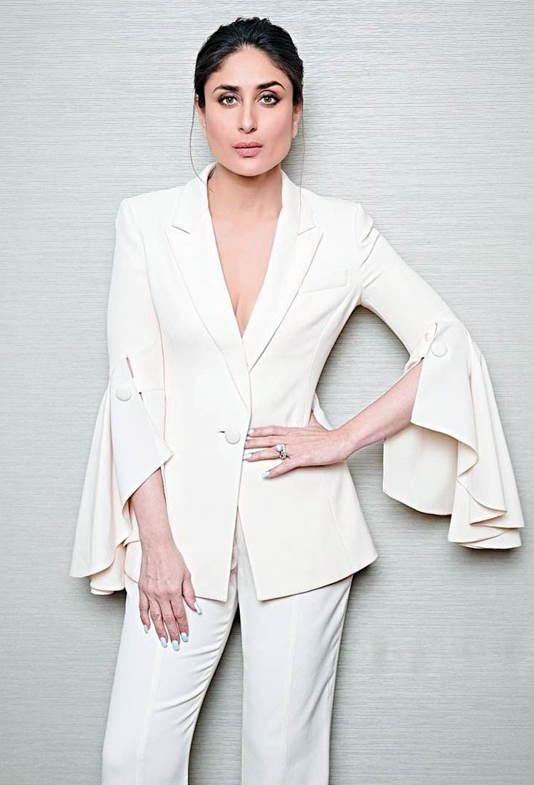 Kareena Kapoor looks hot in white