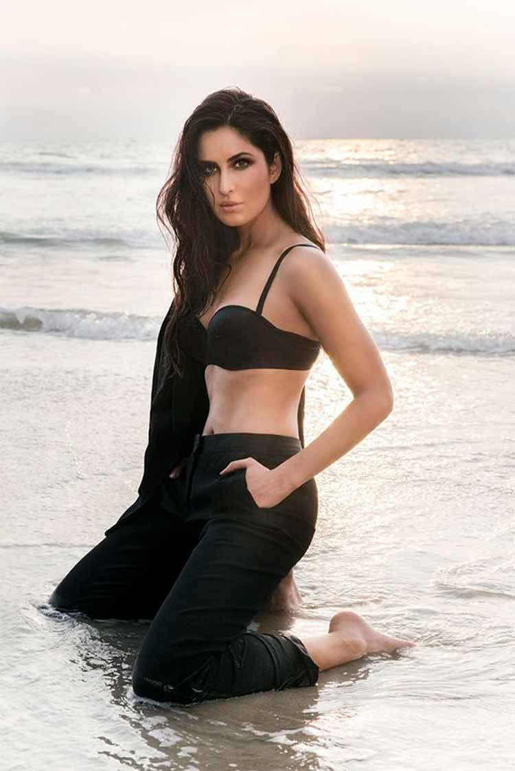 Katrina Kaif Is Looking Sizzling Hot In Shorts  Katrina -5638