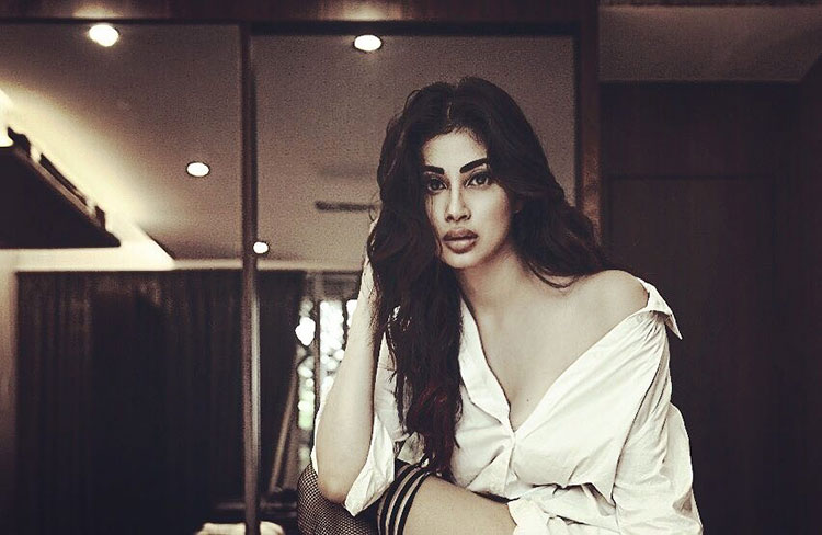 Mouni Roy looks lovely in this sexy insta pic