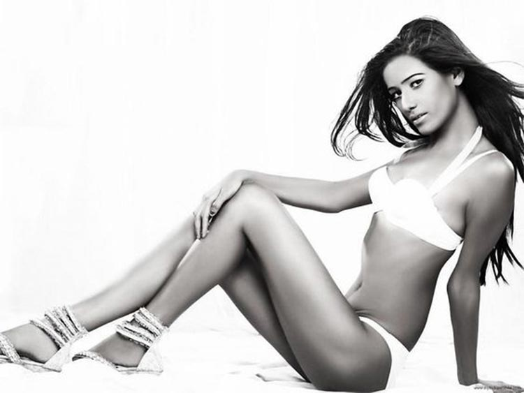 Poonam Pandey looks burning hot in this frame