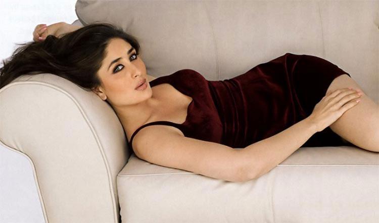 Sexy Kareena Kapoor's sensuous photograph