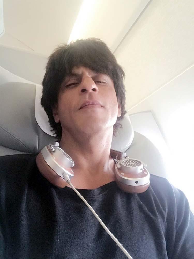 Shah Rukh Khan has bid a goodbye to Los Angeles