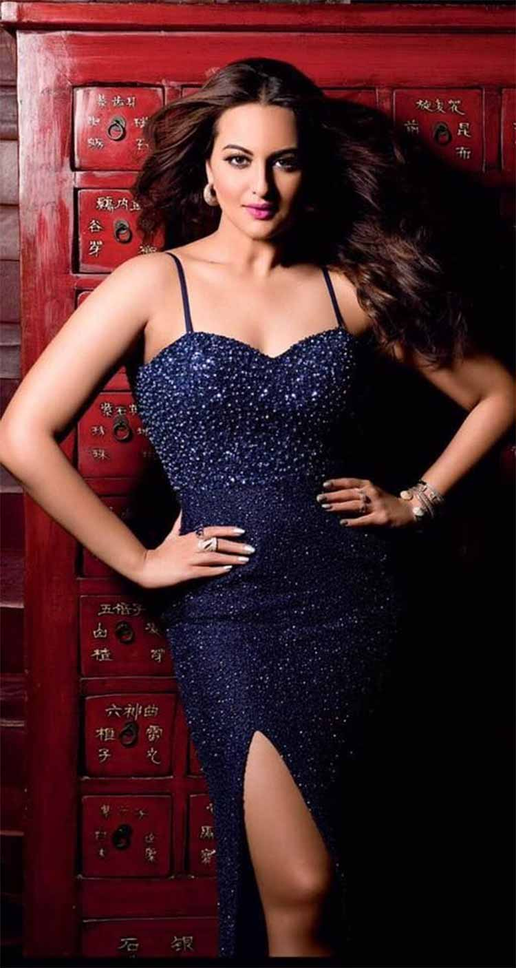 Sonakshi sinha hot sexy images