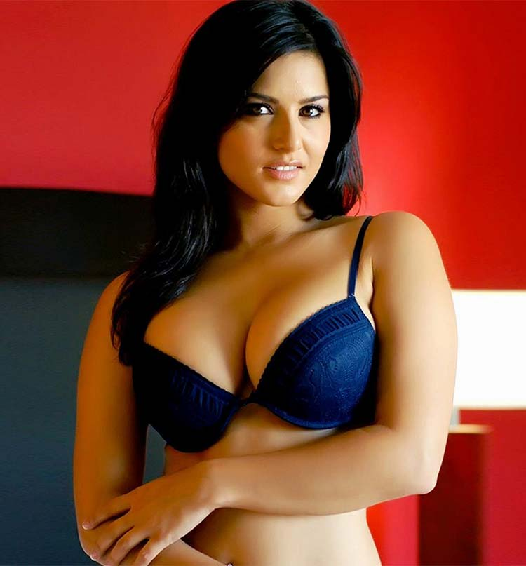 Sunny Leone looks hella hot in this picture