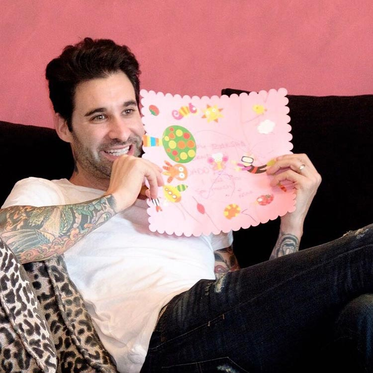 Sunny Leone's daughter has a personalized card made for daddy Daniel Weber