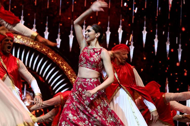 Deepika Padukone on the stage of International Indian Film Academy Awards 2016